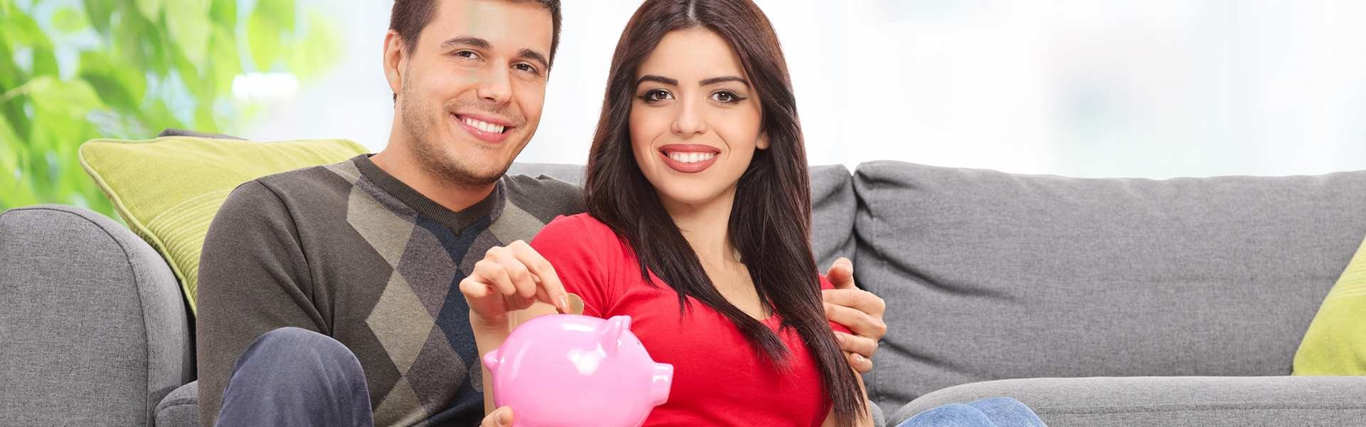 FINANCE - Couple Smiling